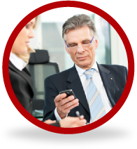 Empresario com smartphone